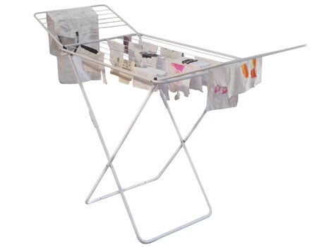 Wäscheständer, 2018, Wäscheständer, Zeichnung auf Papier und Pappe