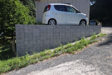 ブロック土留め 駐車場増設(側面)