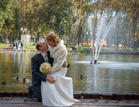 свадебное фото с букетом цветов в Харькове