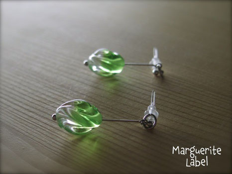 Pierced earring /Glass Beads