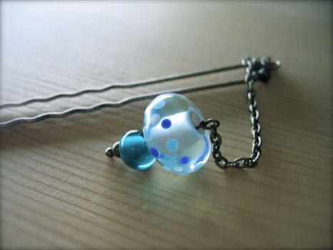 ornamental hairpin / handmade glass beads