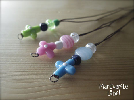 Friends / Glass Beads Choker