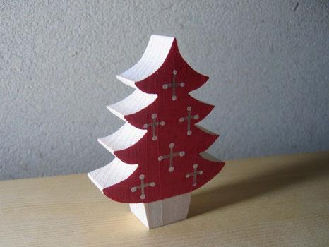 洋画家の方の影響をうけて製作した赤いツリーです