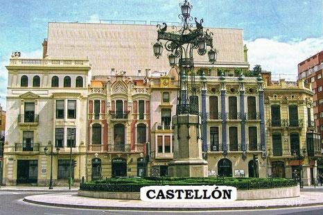 Farola emblemática de la plaza del Ayuntamiento de Castellón de la Plana (Comunidad Valenciana).