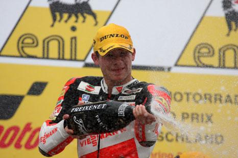Stefan Bradl: Moto2 Weltmeister 2011. Doch was ist von dem Titel für den Sport in Deutschland hängen geblieben?