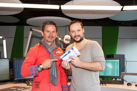 HIT RADIO FFH und der SV Darmstadt 98 haben ihre Partnerschaft (seit 2014) um drei Jahre verlängert. Foto: HIT RADIO FFH