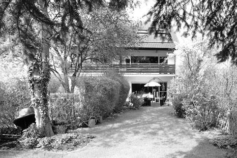 Der Immobilienmakler Matthias Pfeifer vermittelt Immobilien im Rhein-Main-Gebiet. Doppelhaushalte mit eingewachsenem Garten in Heusenstamm