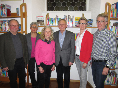 """Der Vorstand """"Freunde der Gemeindebücherei"""" im Jahr 2020"""
