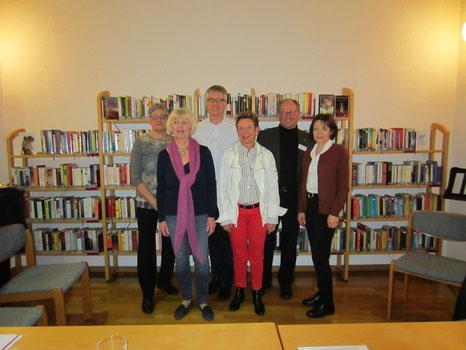 """Der Vorstand """"Freunde der Gemeindebücherei"""" im Jahr 2017"""
