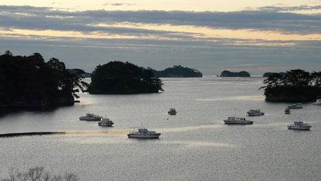(写真は先日訪れた松島です。)