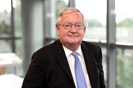 Patrick Artus économiste français contact