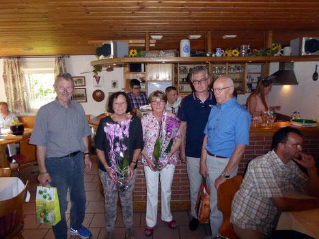 Ehrung für 60 Jahre Mitgliedschaft Helga u. Wilfried  Hirschmann, Hilde u. Jürgen Trabert, 50 Jahre Jörg Trabert