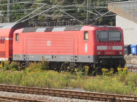 Am 17. August 2011 verlässt 143 243-4 Chemnitz Hbf in Richtung Zwickau