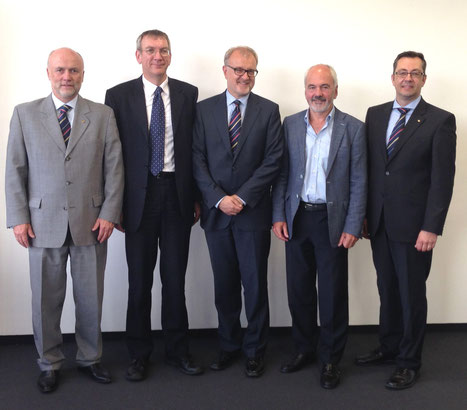 Delivered food for new thoughts – Christoph Papke, ACD  /  Ferry van der Ent, ACN  /  Winfried Hartmann, ACD  /  Peter Somaglia, IG Air Cargo Switzerland, Mathias Jakobi, ACD  /  source: jmd