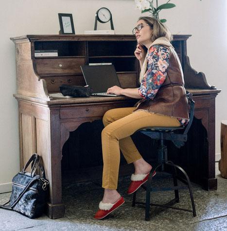 pantoufles femme talon en cuir de vachette fourré laine naturelle synthétique rouge framboise