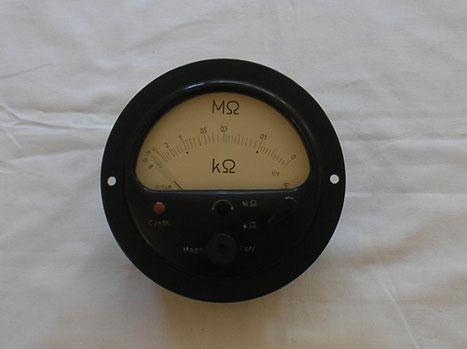 Gossen  Eibau Widerstands - Messgerät mit zwei Messbereichen. Gefertigt 1960