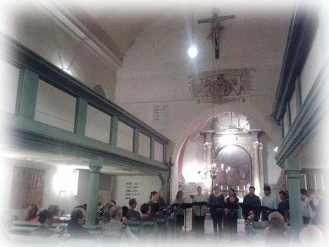 Erster öffentlicher Konzertauftritt am 9. September 2014, im fränkischen Entenberg