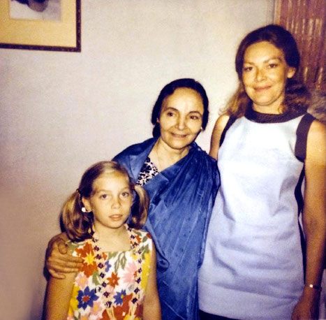 1969, India : Ruth with her daughter Leslie with Mehera Irani