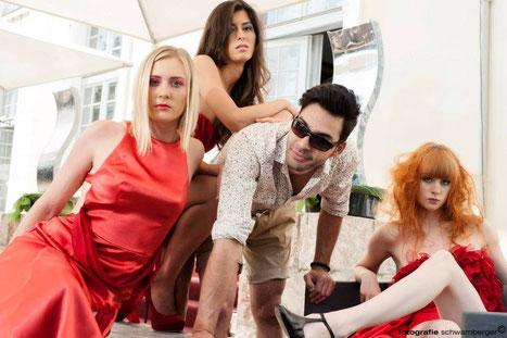 Villa tosacana mit modefachschule ebensee und visagemodels linz, airbrushmake up krenn isabella und visagemodels und fotograf beim fotoshooting gerhard schwamberger