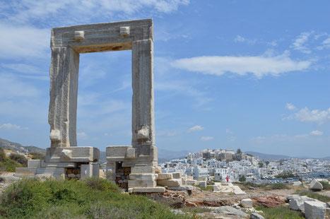 Portara und die Chora von Naxos
