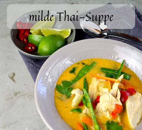 milde Thai-Suppe mit Huhn und Gemüse