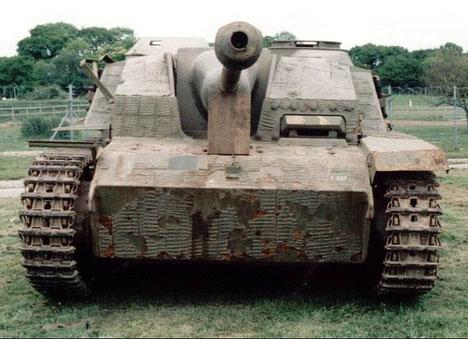 Ce StuG III utilise le motif gaufré pour son revêtement