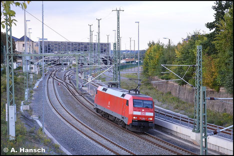 152 066-7 dient am 24. September 2015 einem schweren Schotterzug ab Dresden bis Chemnitz Hbf. als Vorspannlok. In Chemnitz Hbf. verlässt die Lok den Zug und fährt Lz wieder gen Dresden