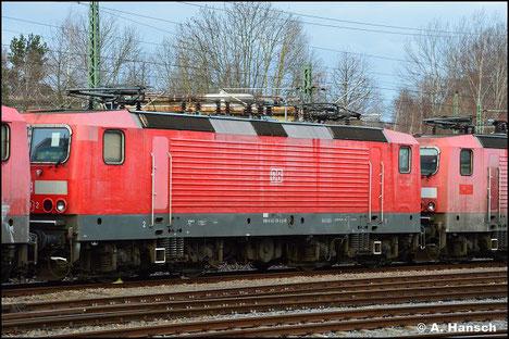 Am 7. November 2018 wird 143 178-2 in einem Lokzug von Karsdorf nach Chemnitz überführt. Hier ist sie in Chemnitz-Süd zu sehen