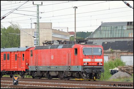 Am 12. Mai 2016 wird sie mit verdrehten Radreifen an der letzten Achse am AW Chemnitz vorbei gen Dresden geschleppt. Zuglok des Hilfszuges ist 218 488-5