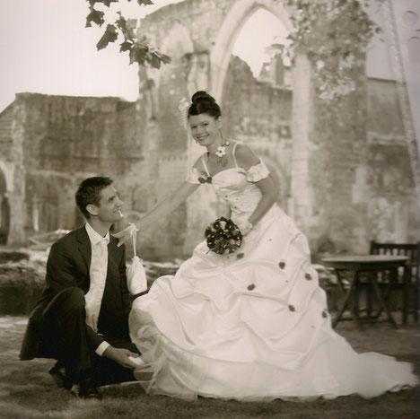 Robe de mariée Aurore, mitaine dentelle, et bourse