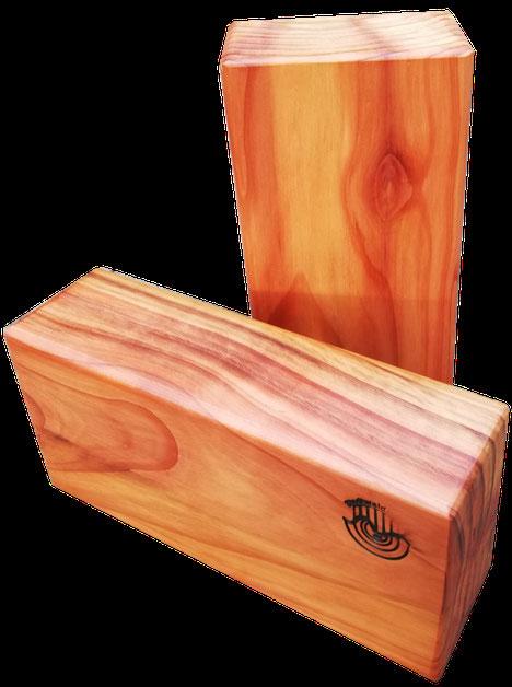 Schneidbretter aus Kölner Holz in minimalistischem Design aus einem Stück Massivholz