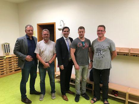 Bildunterzeile v.l.: Gunter Grimm, Horst Gerlich, Andreas Rey, Jan Saal und Michael Przewdzink