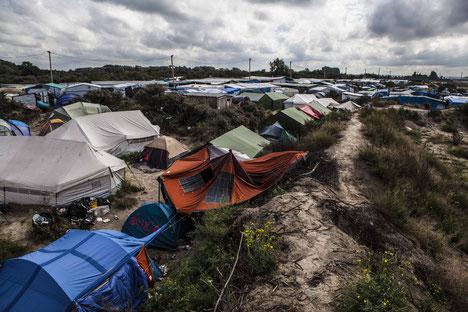 Illegales Flüchtlingscamp in Calais in Nordfrankreich