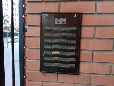Instalación antigua de Placa de videoportero Auta