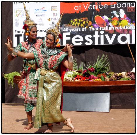 Auftritt der Thai Kulturgruppe in Venedig