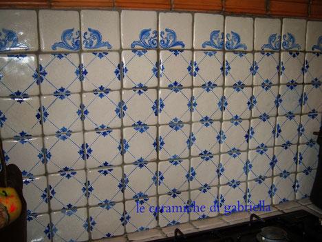 Pannelli 2 pannelli in ceramica artistica maiolica for Mattonelle adesive per cucina