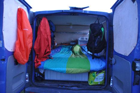 van, aménagement van, voyage en van, voyage avec un chien