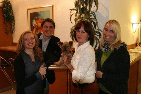 von links nach rechts: Susanne Jakob 2. Vorstand Thomas Krämer Kassier, Marlies Filler 1. Vorstand, Andrea Meier  Schriftführerin