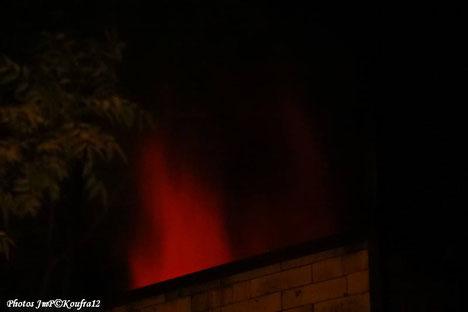 Après plusieurs heures de cuisson la flamme est à la cheminée ...