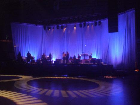 Soundcheck für ein Konzert in Leksand- Schweden im Eishockeystadion