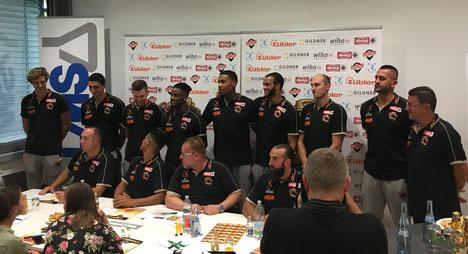 Die Panthers-Pressekonferenz vom 6. September in den Räumen von LMS.