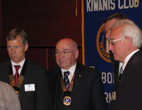 von links: Präsident Rudolf Fey, Governor Ernst von der Weppen, Vizepräsident Eberhard G. K. Gronwald. Bild: KC Bonn