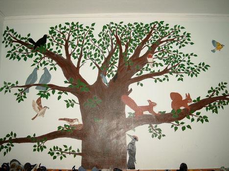 der Baum im evangelischen Kindergarten