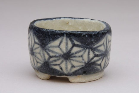 Blumentopf mit asanoha Muster