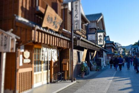 大阪の南東は伊勢方面、東京の南東は房総半島方面でしょうか。