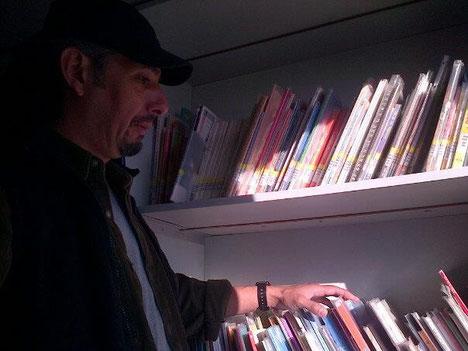 En el bibliobus del Centro Lector Lo Barnechea, esperando ir a contar cuentos...