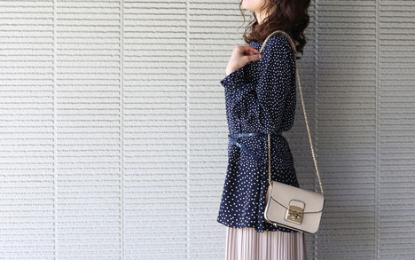 DoCLASSE シルキーデシン・ドットブラウス モデル 川崎優季 ジョワーヌ東京
