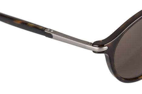 Occhiali da sole uomo Giorgio Armani Modello: 8009. Colore: 502673 tartarugato scuro. Colore lenti: Marrone. Calibro 52-19. Materiale: plastica. Protezione UV 100%