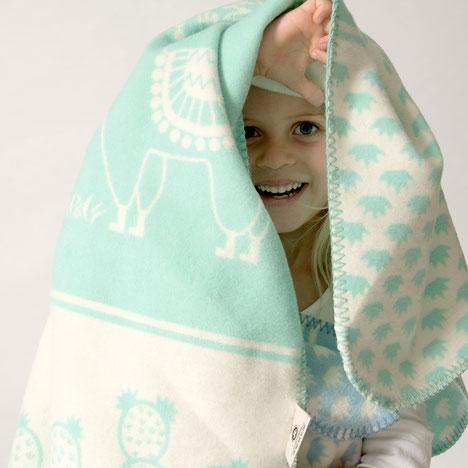 Kuschelweiche Babydecken aus Bio-Baumwolle mit Lama und Kakteen Motiv. Geschenk zur Geburt für Jungen und Mädchen in rosa und hellblau. Krabbeldecke und Spieldecke. Für Neugeborene, Kleinkinder und Allergiker geeignet. Schmusedecke mit Kaktus