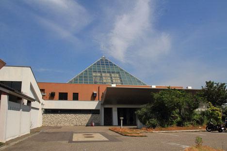 特徴的なピラミッドのような形をした部分があるホテルだった